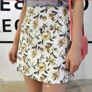 [INSTOCKS] Ulzzang Floral Highwaisted Skirt