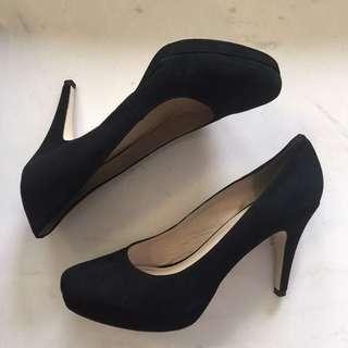 Wittner Black Suede Pump Heel