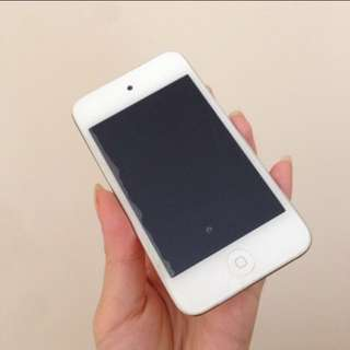 iPod Touch 4th Gen 8GB White