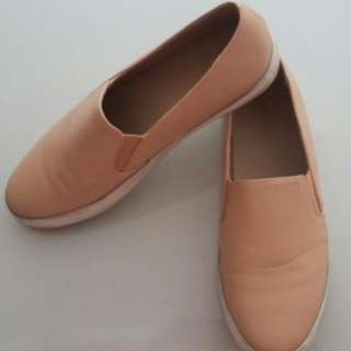 Slip On Beige Urban & Co