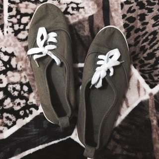 H&M Olive Green Shoes