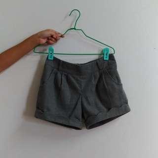 #八月免購物我送你 毛呢短褲