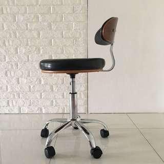 Brooklyn Designer Office Desk Chair By Yoshiro Murakami