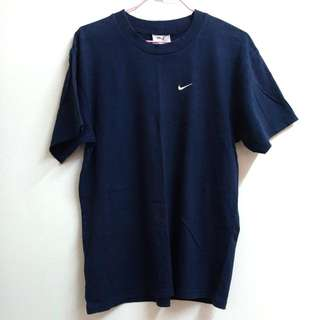 二手NIKE深藍T恤 (不含運)