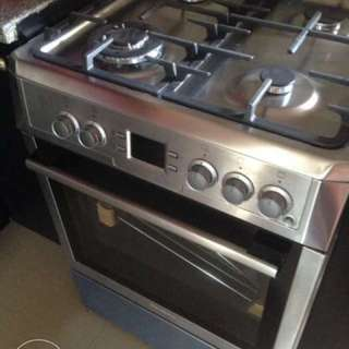 Blomberg Gas Range with Oven