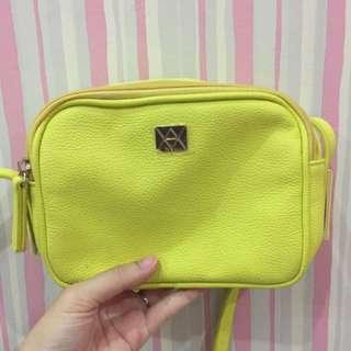 VINCI Sling Bag