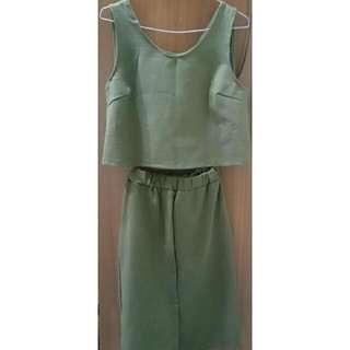 正韓  兩件式套裝 墨綠背心+開衩鬆緊長裙