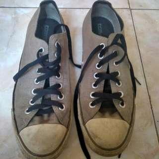 Sepatun Converse