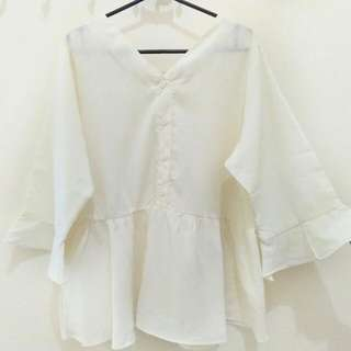 Baju Atasan Putih Tulang V Neck