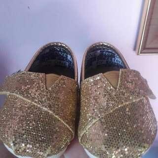 baby shoe (TOMS) T2