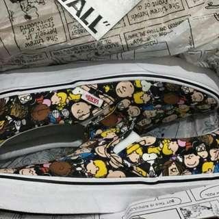 Vans slip on x peanuts the gang black
