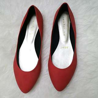 Flat shoes pink maroon (semi suede)
