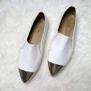 HERSPOT White Shoes with silver plat