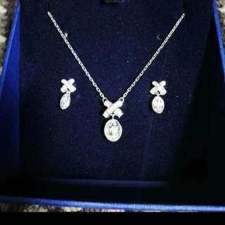 Brand New swarovski Jewellery set