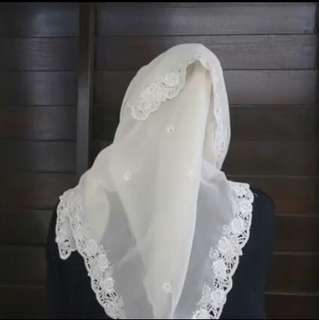LOOKING FOR: WHITE LACE TUDUNG