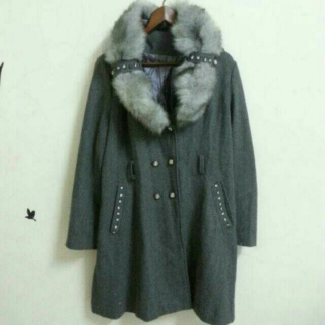 毛呢灰色大外套
