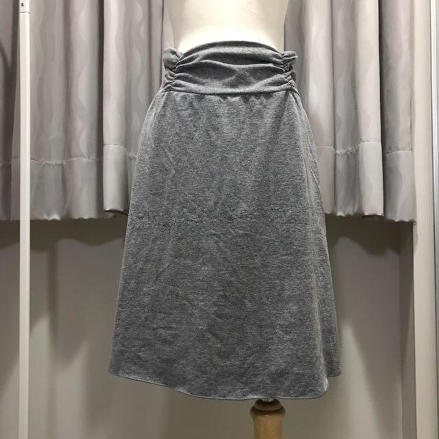 灰色及膝棉裙