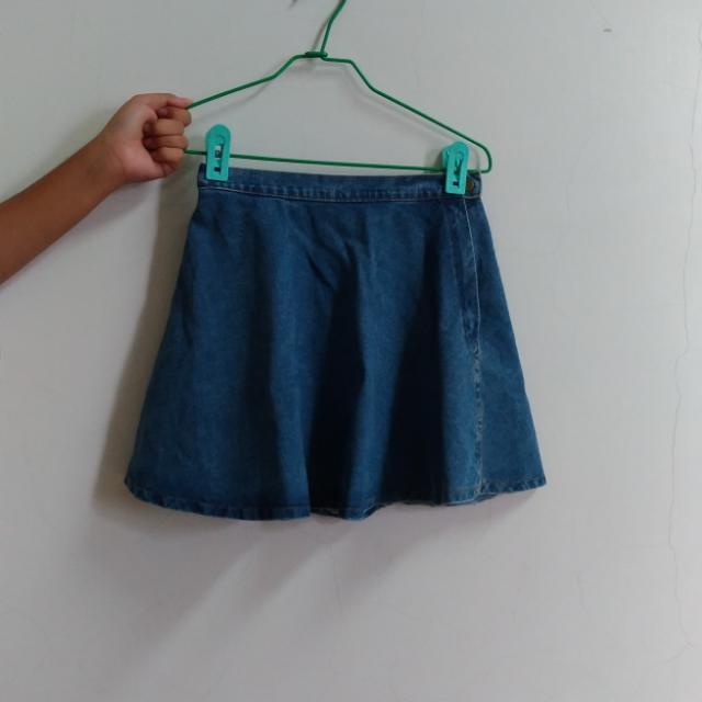 #八月免購物我送你 牛仔短裙