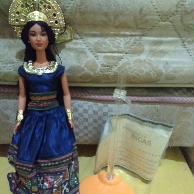 Barbie inca (Collectible Doll)