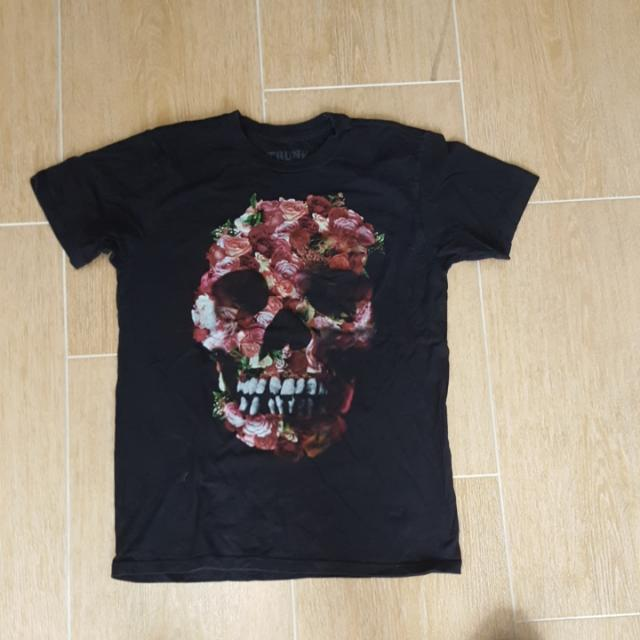 Black T Shirt - (Trunk Shirts) - Skull - Size Medium