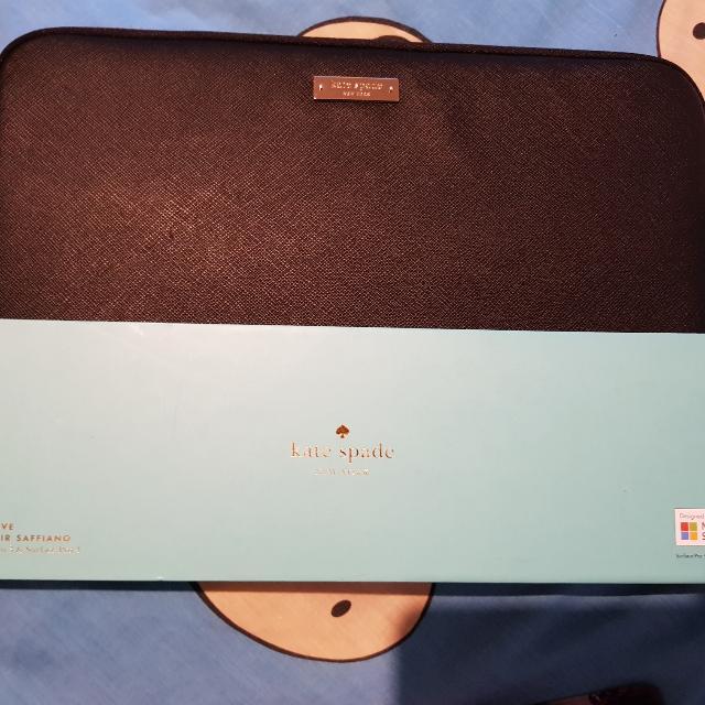 BNWT kate Spade Laptop Case