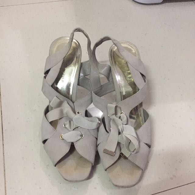 Charles And Keith Size 40