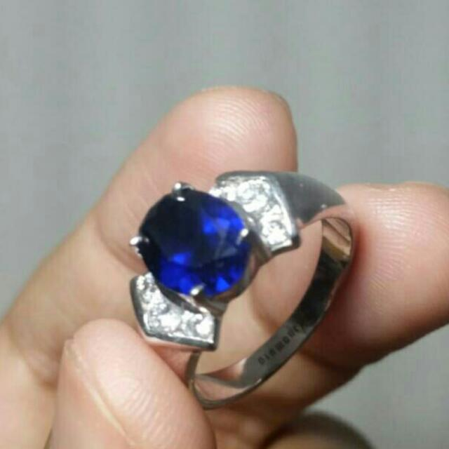 european hd oval sapphire diamond rings engagement in blue ring diamantbilds halo dark