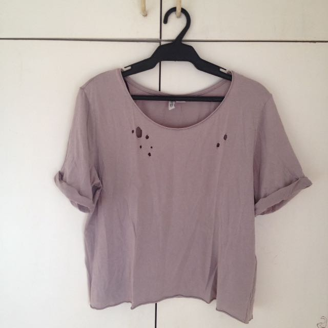 Divided by H&M distressed top