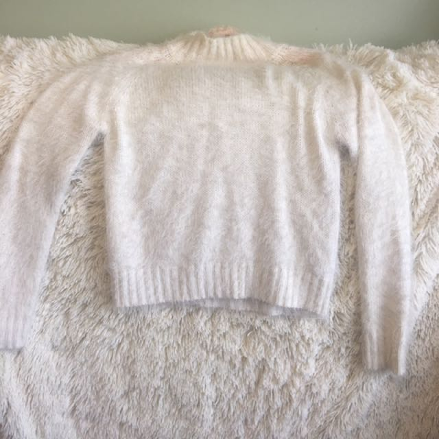 FLUFFY JUMPER