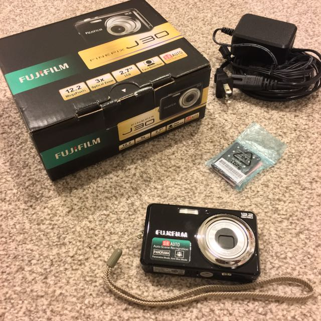 Fujifilm Finepix J30 (With Free Black Camera Bag