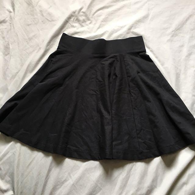 H&M 黑色短裙子