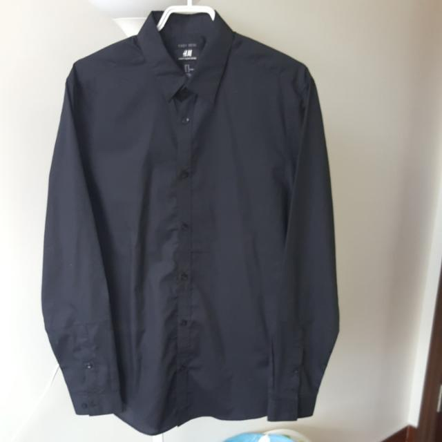 H&M Black Button Dress Shirt - Size Medium