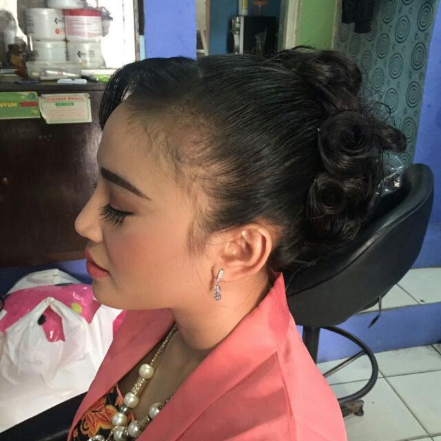 Jasa Make Up. Tenda Dll