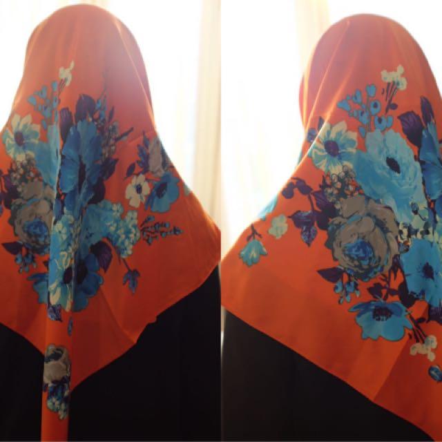 Jilbab Segi Empat SATIN PREMIUM