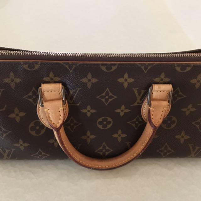 6ec375cf44e4 Louis Vuitton Vintage Monogram Sac Tricot Triangle Handbag