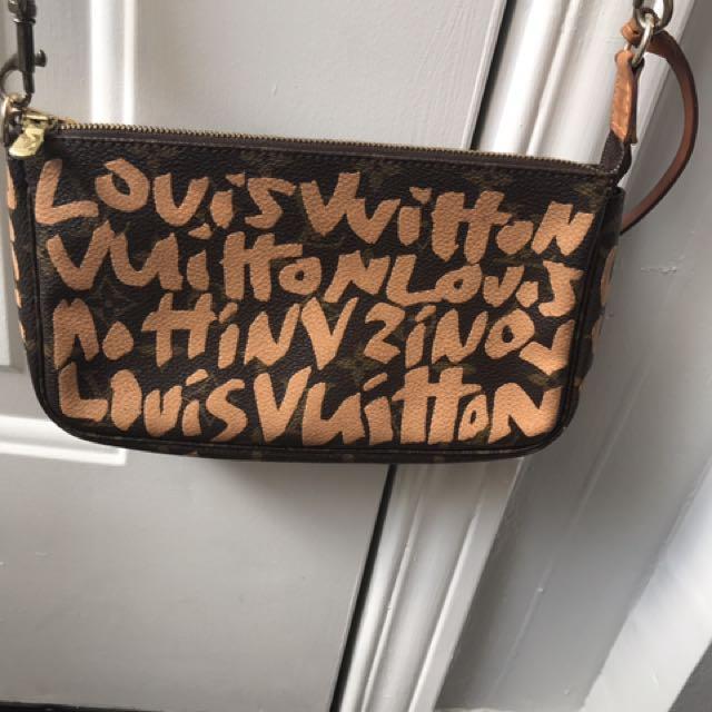 Louis Vuitton Limited Edition Graffiti Pochette Accessories