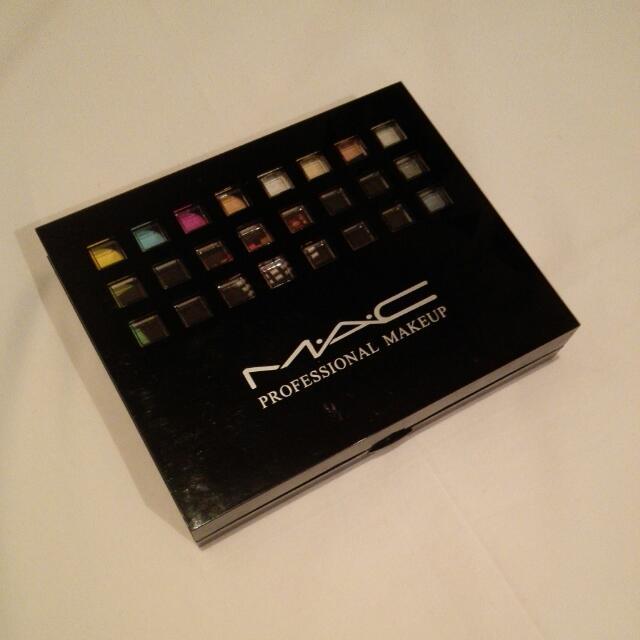 Mac Pallete Blush Eyeshadow Lipstick Concealer Aplicarors Mirror