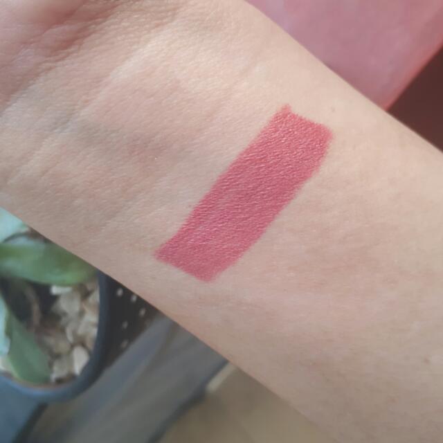 Makeover Creamy Lust Lipstick Number 02. Shade Retro Pink