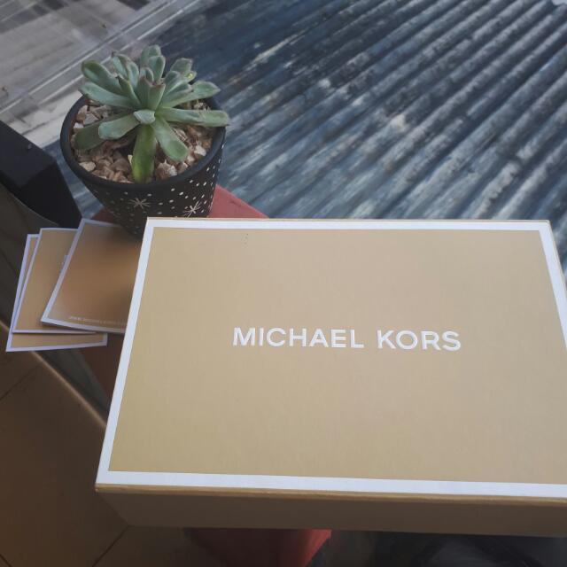 Michael Kors Mercer Leather Smartphone Wristlet