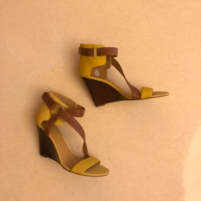 Nine west wedges Authentic size 8 1/2M