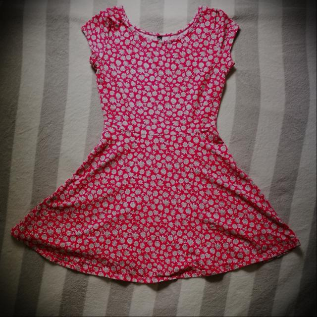 Pink floral dress by Cotton:On