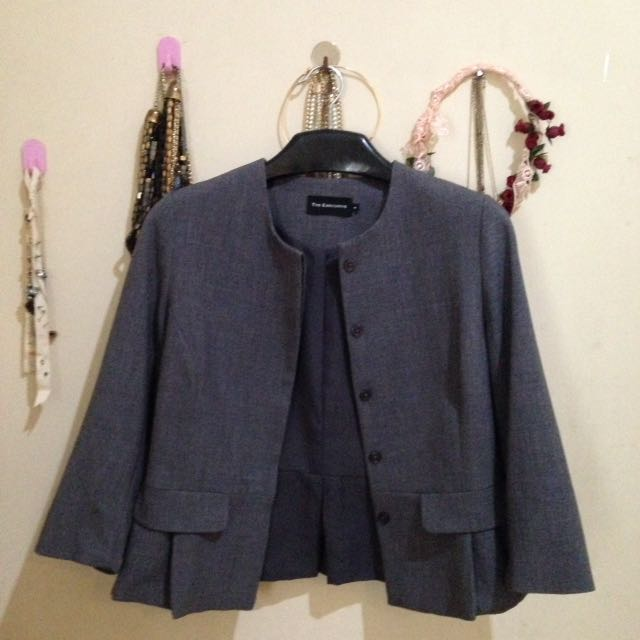 (PRELOVED) Cropped Blazer The Executive