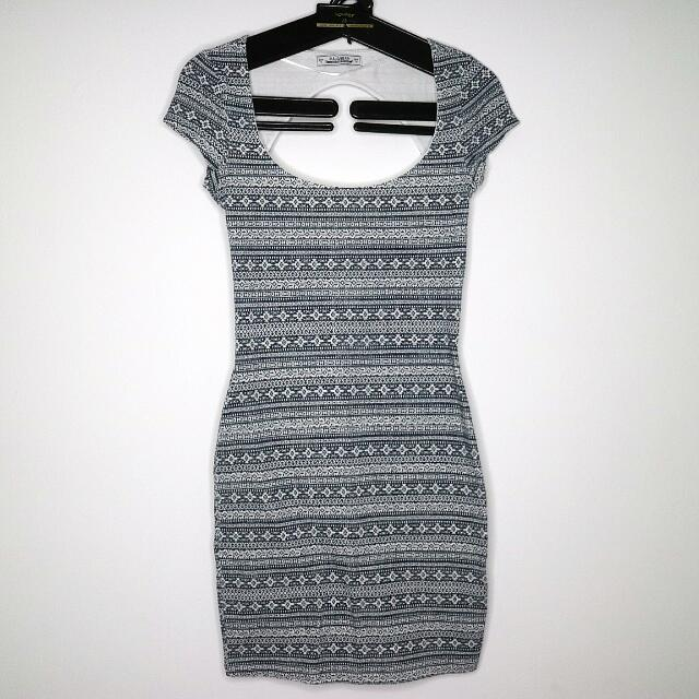 Pull and bear strecth dress