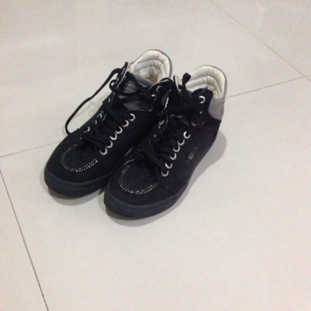 Sepatu Gosh c71364a4db
