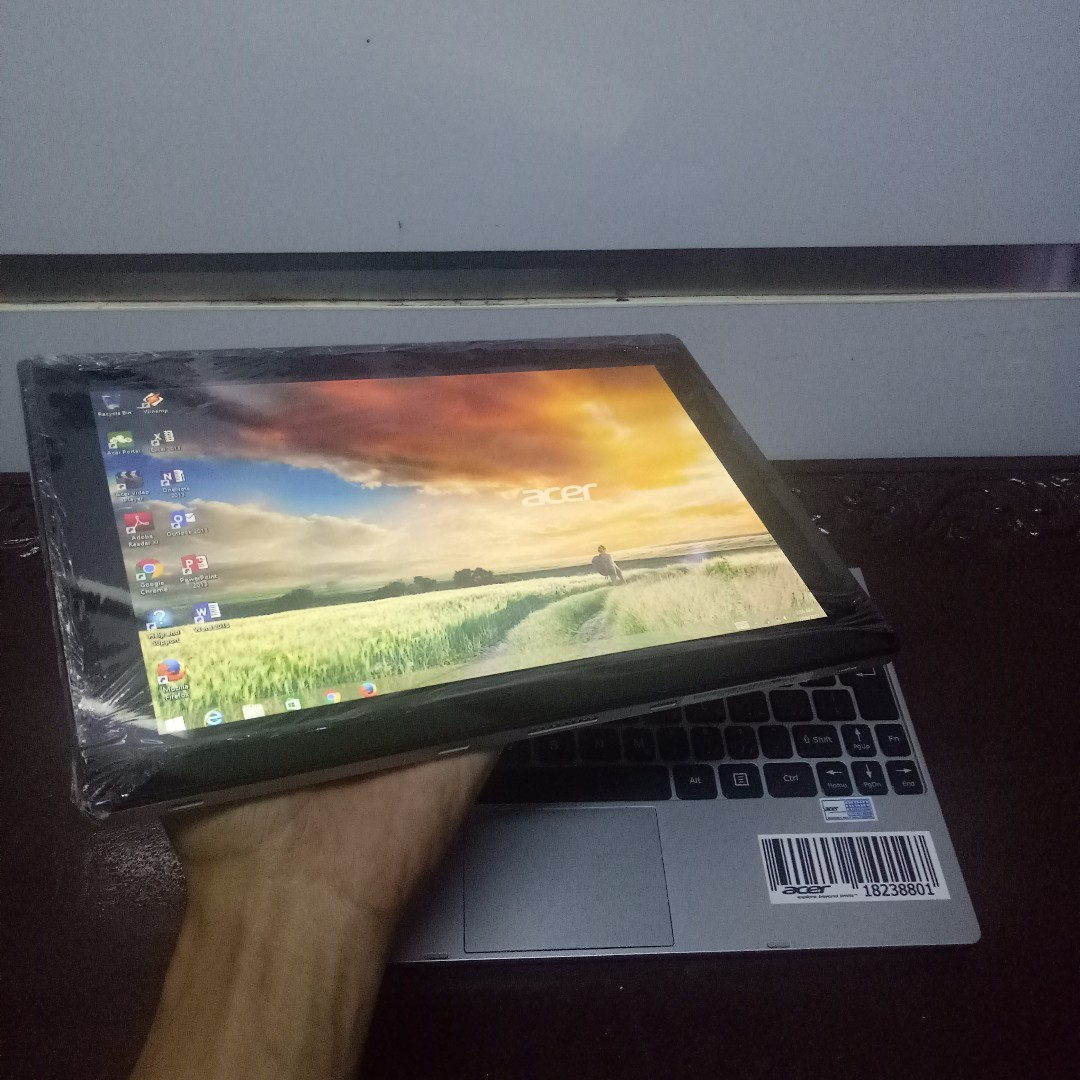 Tablet PC hybride Acer One S1001 Touchscreen SSD dan HDD 500GB