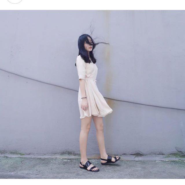 The Random 收腰杏色連身短裙