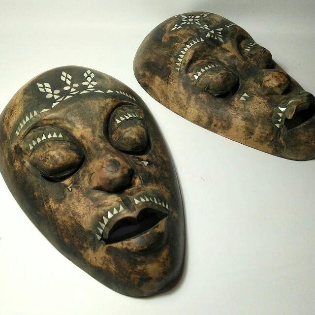 Topeng Cukli Lombok Tua Antik, Topeng Primitif Bahan Kayu Degan Ornamen Kerang Mutiara
