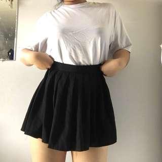 Pleated Black Flowy Skirt Anime Girl Inspired