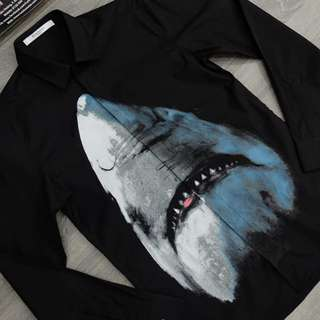 Givenchy Shark 🦈 shirt size M