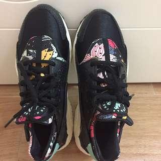 Nike女裝運動鞋